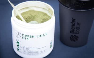How can a greens superfood mix supplement any diet?